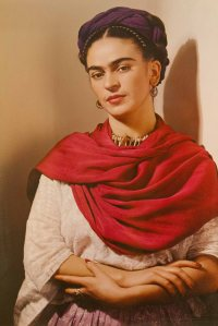 A photo of Frida Kahlo painting